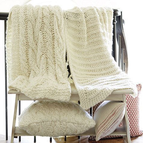 If you've ever had a favorite cable knit or Irish Fisherman's sweater, you'll know exactly how cozy our Wiltern Knit Throw feels. The chunky weave is hand knitted in thick cream wool.: Knits Throw, Knits Pillows, Wiltern Knits, Blankets Ladder, Master Bedrooms, Movie Night, Throw Pillows, Decor Pillows, Throw Blankets