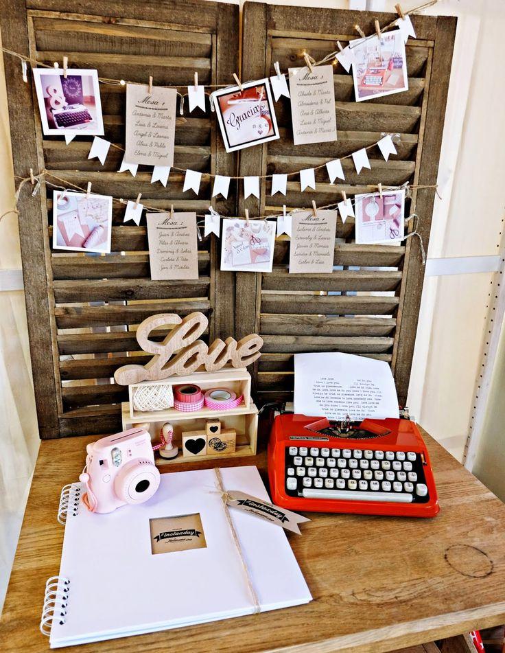 instax mini 8 fujifilm #instaxday Instax Day madrid blog bodas cámara fotos // Libro de firmas junto a washi tapes, sellos y una cámara de fotos instantánea para poner las fotos en el libro al momento y decorarlo