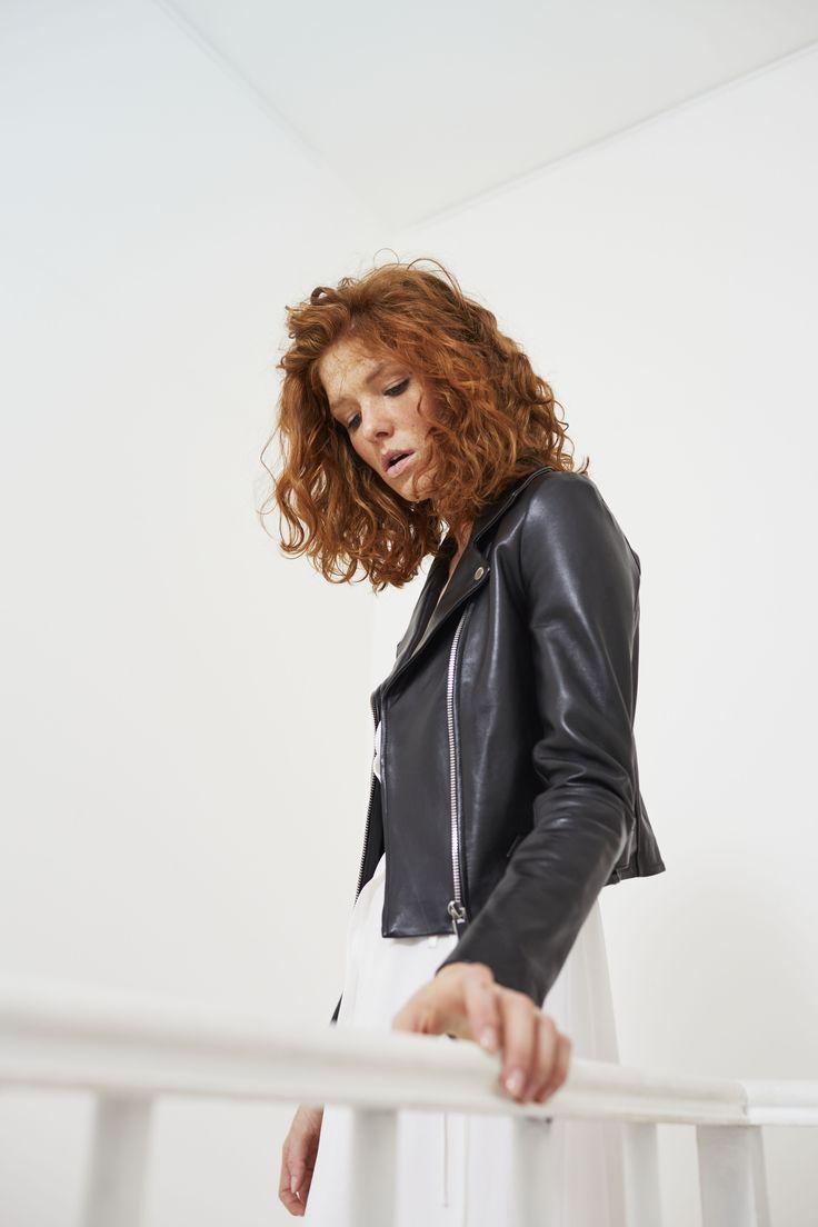 1000 id es propos de veste perfecto femme sur pinterest veste de robe en cuir vestes de. Black Bedroom Furniture Sets. Home Design Ideas