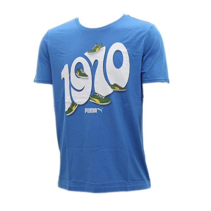 Το 1970 η εθνική ομάδα της Βραζιλίας ανέβασε τον πήχυ στο ποδόσφαιρο.Το καλοκαιρινό T-shirt από την καινούργια κολεξιόν της Puma με θέμα το Mundial του 2014.Αποτελείται από 65% πολυεστέρα και 35% βαμβάκι και είναι φτιαγμένο από ανακυκλώσιμα αγαθά!Διαθέτει κανονική γραμμή.