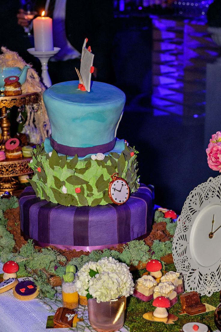 Alice in Wonderland themed deserts. We were blown away by the dedication to this theme by the Grand Chancellor Hobart chefs.