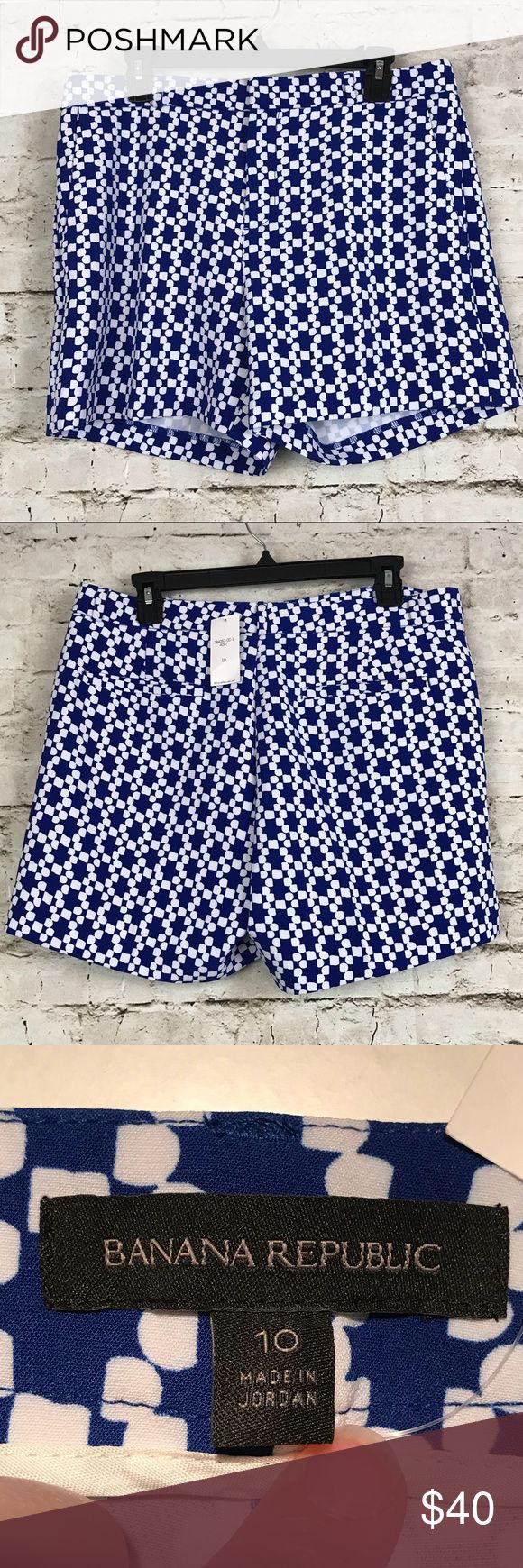 "Banana Republic NWT Women's Size 10 Shorts Banana Republic NWT Women's Size 10 Geometric Blue White Shorts Flat Front  17"" across waist and 5"" inseam Banana Republic Shorts"