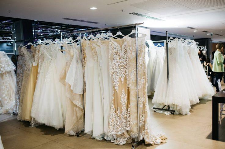 Особенные платья, для роскошных невест!😍 Создать идеальный свадебный образ легко с Dominiss!👰 Самые стильные, комфортные и легкие платья, только у нас! Мы точно знаем где живет мечта каждой невесты!  #weddingday #beautiful #fashion #model #amazing #style #weddingfashion #photographer #bridalfashion #couture #weddingblog #невеста #свадьба #свадебноеплатье #свадебныеплатьяопт #wholesale #instabride #dominissevening #eveningdress #litebydominiss #свадебнаямода #royal #atelier #couturefashion…