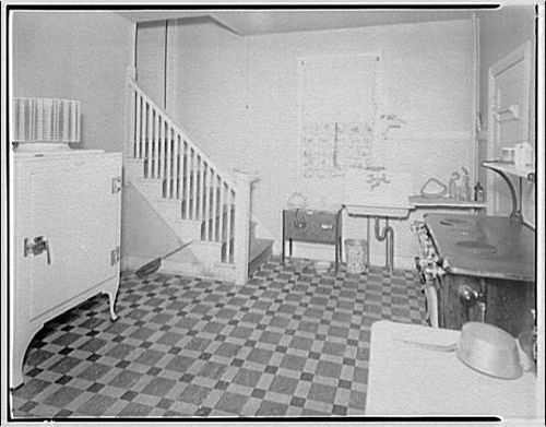 99 best 1930 39 s interior images on pinterest kitchens for 1920s kitchen floor