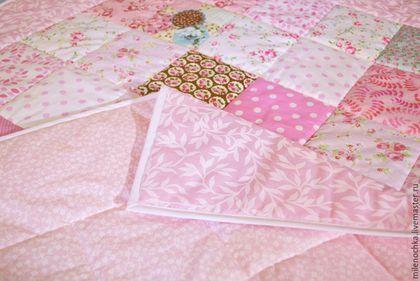 Пледы и одеяла ручной работы. Заказать Лоскутное одеялко для девочки. Милена. Ярмарка Мастеров. Лоскутное одеяло детское, подарок новорожденной