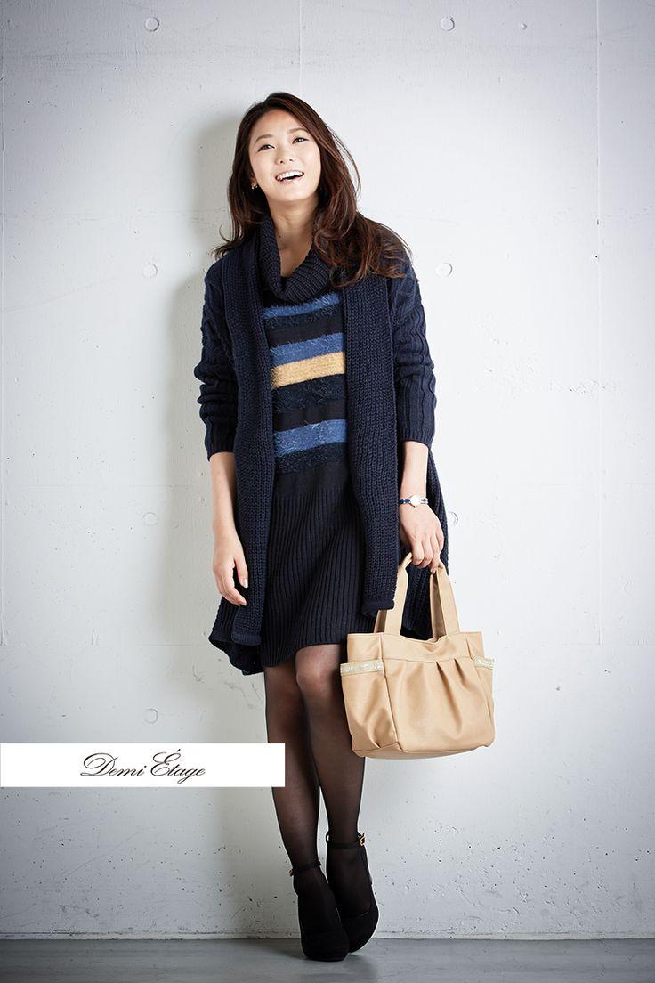 ニットワンピは秋冬のカジュアル定番! #kumiko_coordinate #大人カジュアル #demi_etage #ドゥミエタージュ #ニットワンピ #ボーダーワンピ  #バッグ #冬コーデ #ootd #fashion #lady #casual