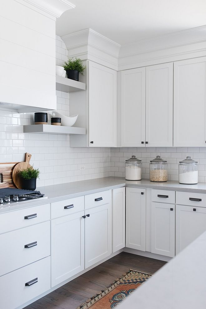 Grey Quartz Countertop Caesarstone Georgian Bluffs White Kitchen Grey Quartz Countertop Caesa Replacing Kitchen Countertops Kitchen Design New Kitchen Cabinets