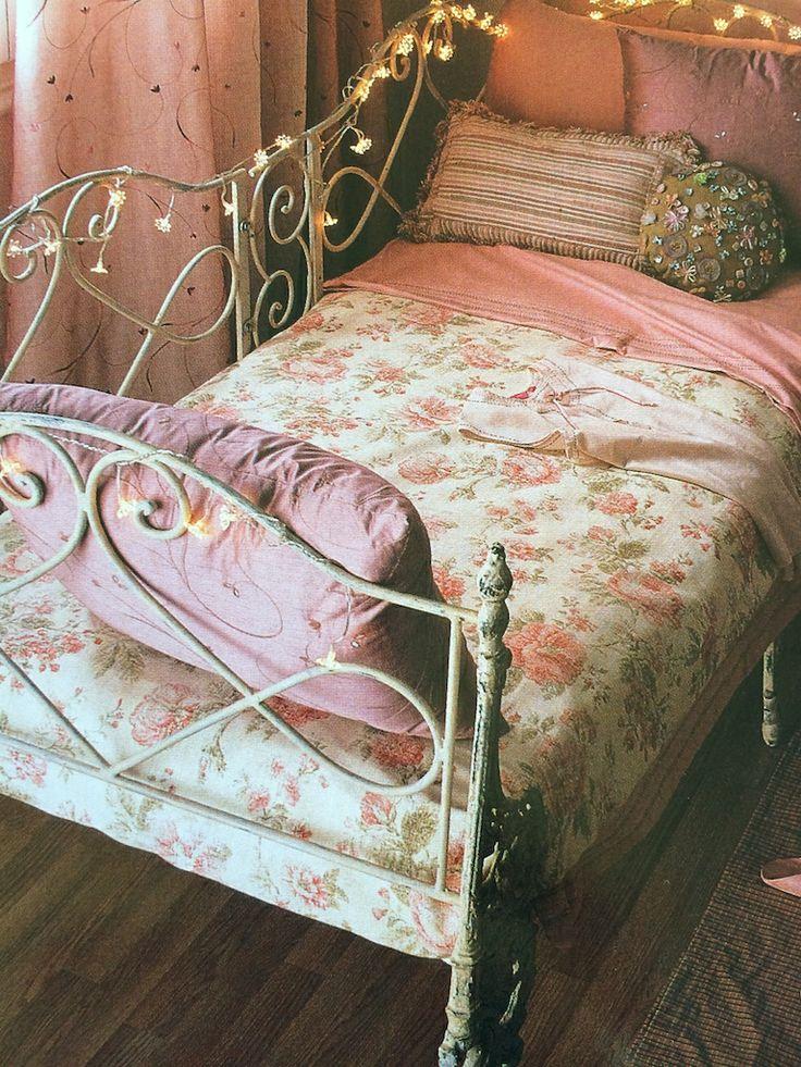 cama forja guirnalda luz