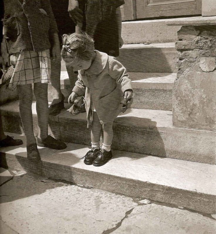 Voula Papaioannou : The new shoes -Athens Greece 1945