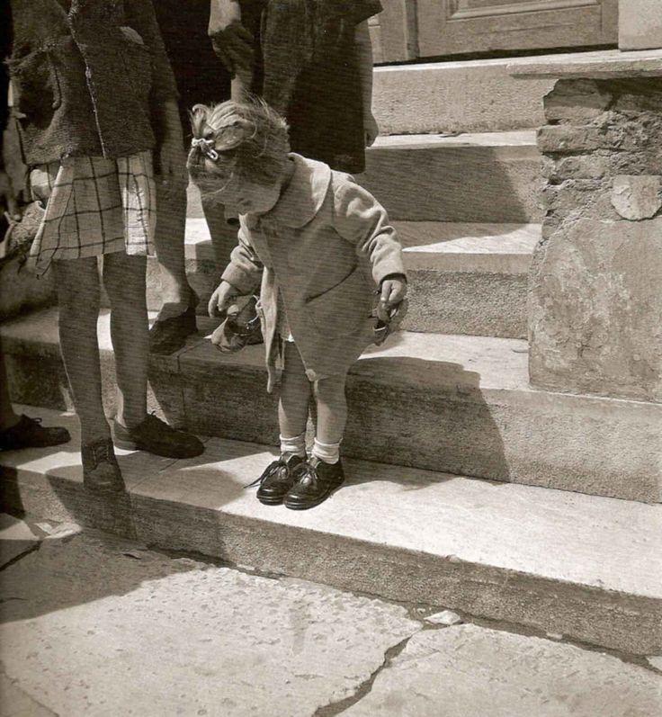 Voula Papaioannou : The new shoes -Athens Greece 1945
