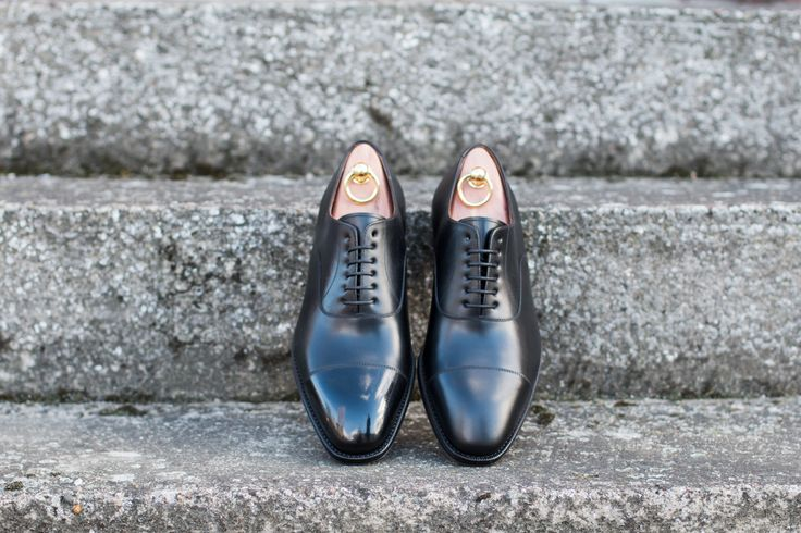 With SAPHIR Wax or without?
