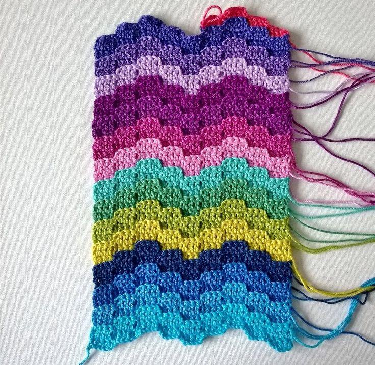 so pretty! Bargello crochet with video tutorial