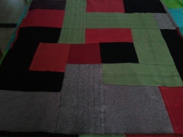 wollen kleed  materiaal; reclycling oude wollen truien