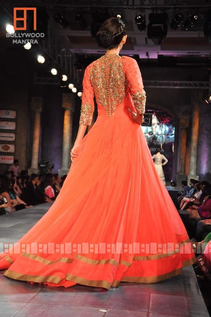 Manish Malhotra colorful sangeet outfit