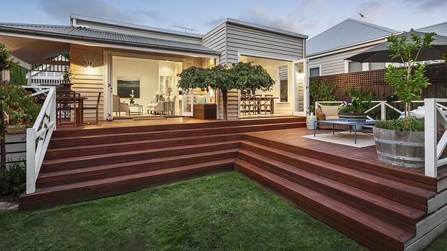 Darren & Deanne Jolly's home - Melbourne. weatherboard cottage.