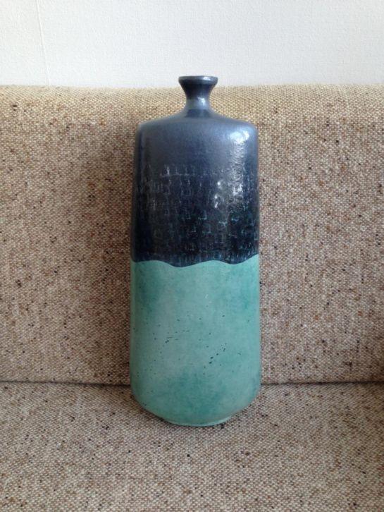 Grote blauw/zwarte vaas (48 cm) in goede staat