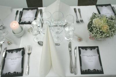 Bröllop - Dukning i vitt