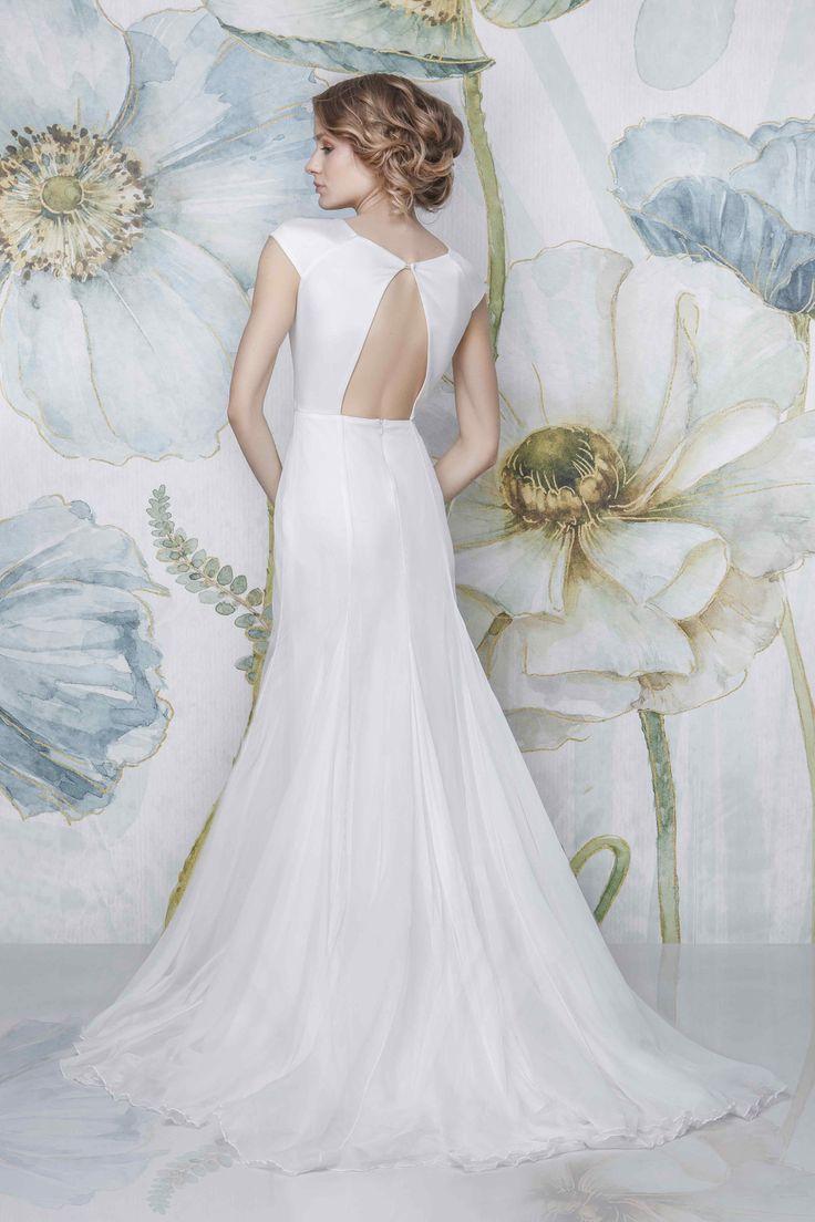 CHANEL - SADONI Bridal 2018 - Boatneck pure weddingdress with cap sleeves, open back and flowy silk chiffon skirt with slim mermaid fit  - www.sadoni.no