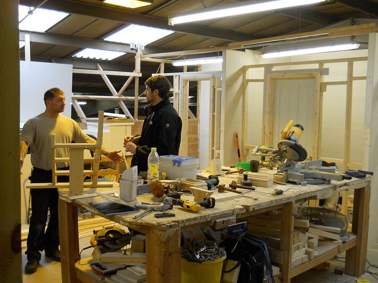 #CarpentryCourse participants during our Intensive #Carpentry & #JoineryCourse.  Learn More about our Intensive #Carpentry #Joinery & #WoodworkCourse in our website: http://www.coventrybuildingworkshop.co.uk/intensive-courses-carpentry  Learn more about our News, Events or for New Available Offers at our #Woodwork, #Joinery & #CarpentryCourses here: http://www.coventrybuildingworkshop.co.uk/latest-news-and-events/  Like Us On Facebook…
