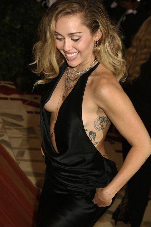 990cdb9581a Miley Cyrus Fashion   Miley   Miley cyrus style, Miley cyrus, Hannah ...