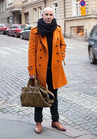 オレンジ色ロングコートの大人コーディネート(メンズ) | Italy Web