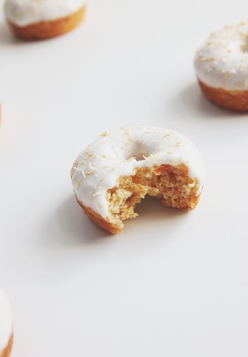 Carrot Cake Baked Donuts | The Fauxmartha