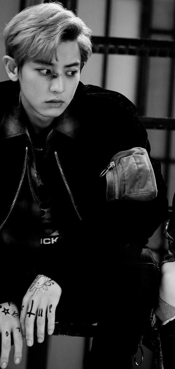 """EXO.CHANYEOL.MAMA on Twitter: """"[PIC] 160818 CHANYEOL @LOTTO ITUNES DIGITAL BOOKLET https://t.co/PBBSSQFobO"""""""