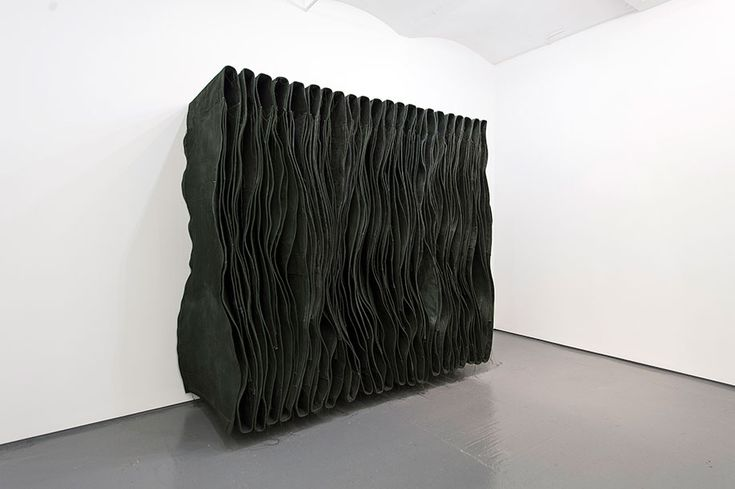 Simon Callery. Wallspine (Leaf) Medium: Canvas, distemper, thread, aluminium, and steel brackets 206 x 236 x 84 cm