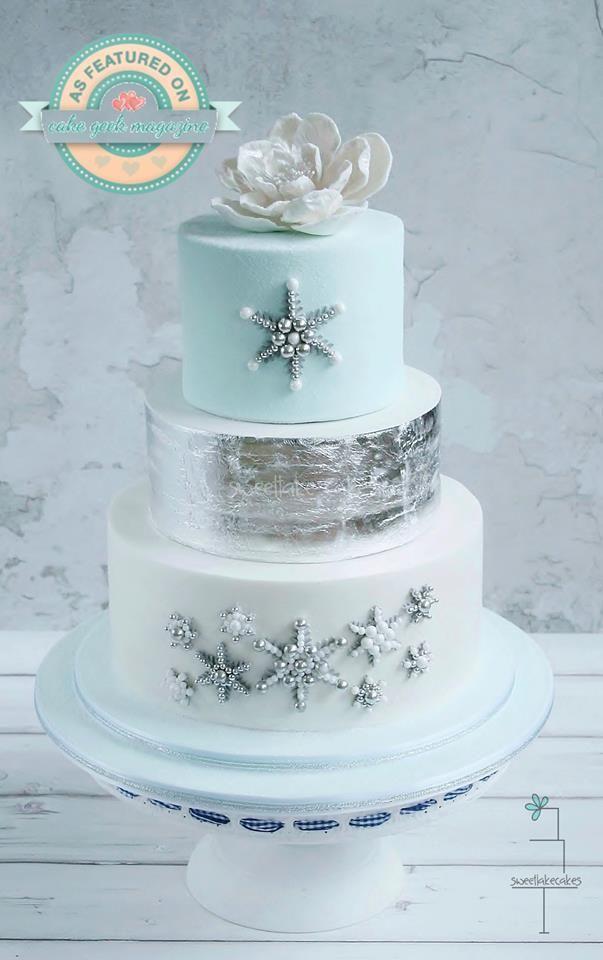 Cake: Sweetlake Cakes; Dramatically Gorgeous Wedding Cakes from Sweetlake Cakes - MODwedding