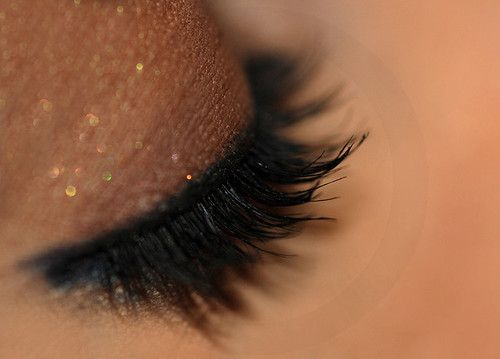soft and sparkly at the same time xmas party: Fashion Make Up, Eye Makeup, Eye Shadows, Fake Eyelashes, Parties Makeup, Makeup Eye, Eyeshadows, Eyemakeup, Beautiful Trends