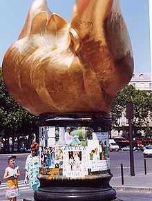 Flame of Liberty sits above the exit to the Paris tunnel in which Diana, Princess of Wales, died. - Wikipedia, the free encyclopedia