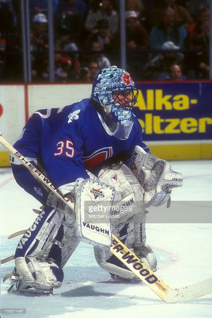 stephane-fiset-of-the-quebec-nordiques-in-position-during-a-hockey-picture-id158211487 (683×1024)