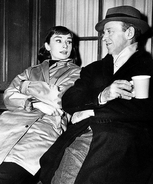 """Одри Хепберн и Фред Астер на съёмках фильма """"Забавная мордашка"""", 1957 год."""