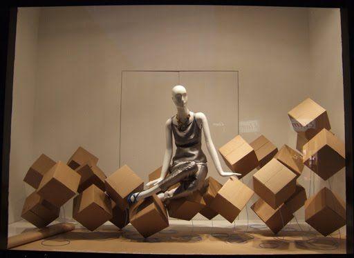 Del Carmen by Sarruc: Como fazer uma vitrine de loja de roupas (Decoração de vitrines)