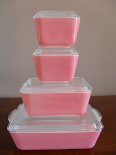 The Pyrex Collective: Pretty Pink Fridgies [http://pyrexcollective.blogspot.com/2012/07/pretty-pink-fridgies.html]