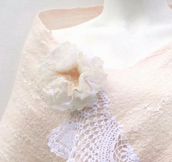A touch of lace by Cheryl and Lyn on Etsy