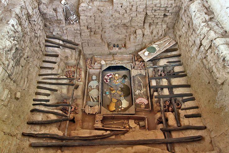 Tomb of the Lord of Sipan in Chiclayo, Peru, Discovered in 1987, Contained Riches Rivaling Those of King Tut (Tumba del Señor de Sipán en Chiclayo, Perú, descubierto en 1987, riquezas contenidas rivalizan con los del rey Tut)