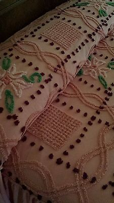 Rare-Vintage-Shabby-Chic-Chenille-Pink-Ruffle-Bedspread-Quilt-Throw