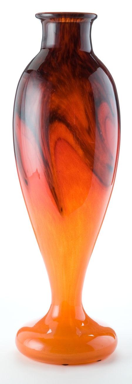 A SCHNEIDER GLASS VASE . Charles Schneider Glassworks, Épinay-sur-Seine, France, circa 1925 .