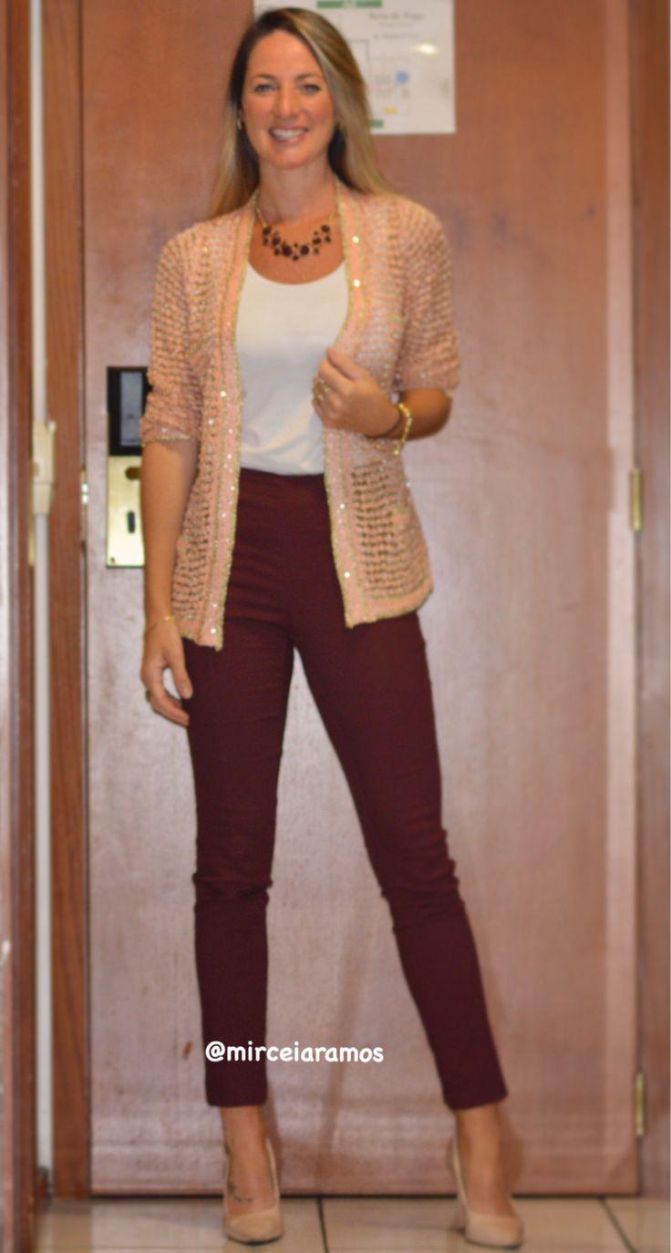 Look de trabalho - look do dia - look corporativo - moda no trabalho - work outfit - office outfit - fall outfit - look executiva - look de outono - meia estação - calça Marsala - rose - nude - pants - scarpin - Caroline bassi inspired - cardigã