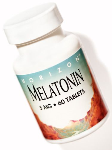 Do you have short-term insomnia? Dr. Oz says to take pure melatonin at least two hours before going to sleep. #tips #health