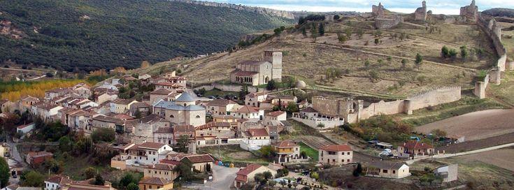 La Magia de Hoz en Membibre de la Hoz (Segovia) Dónde se encuentra la casa y que podemos hacer por aqui, como por ejemplo visitar El conjunto monumental de FUENTIDUEÑA, a escasos 13 km de la Casa Grande de la Hoz