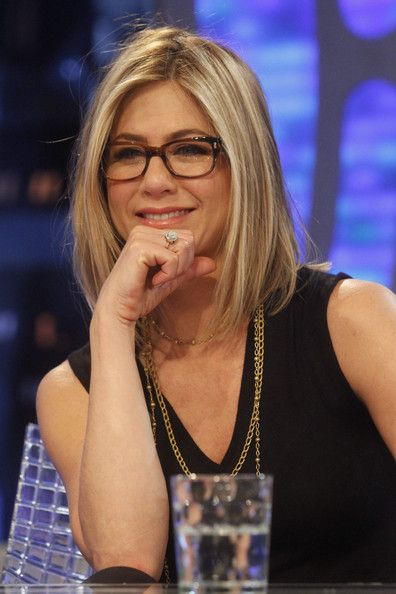 """Jennifer Aniston Jennifer Aniston makes a guest appearance on the Spanish science and comedy show """"El Hormiguero"""". Jen and her co-star Adam Sandler were on the show to promote their latest movie, """"Just Go With It"""". The actress was showing off her new blonde bob."""