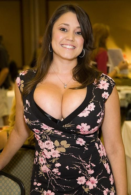 6c68b0c2af2 Miriam Gonzalez huge Boobs low cut dress cleavage milf