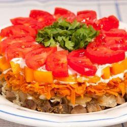 Салат, который сведет гостей с ума! Вкуснейший салат на всю семью или для приема гостей - просто тает во рту. Попробуйте приготовить и вы!