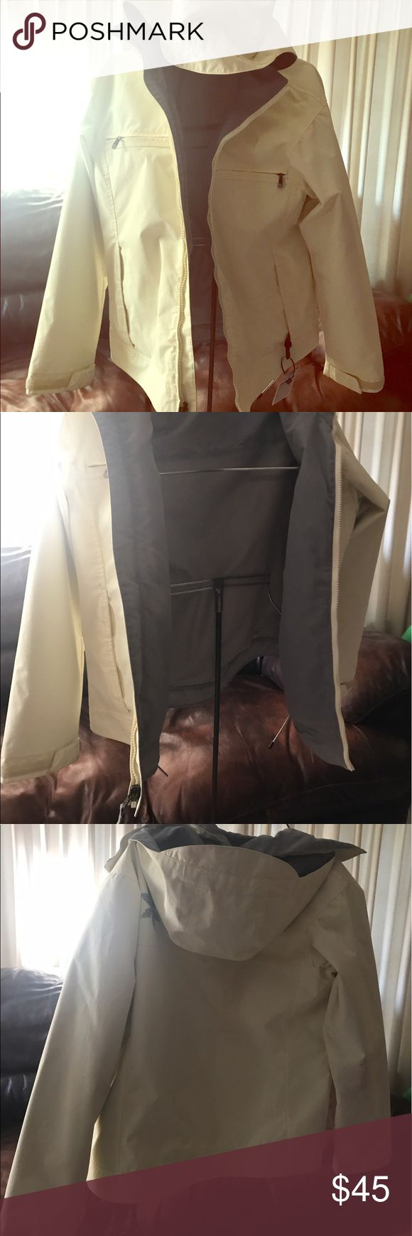 Women's Burton snowboarding jacked Used Burton women's snowboarding jacket a few scuffs on back arm as shown in picture not bad though.color is a cream white. Pockets on inside as well. Burton Jackets & Coats