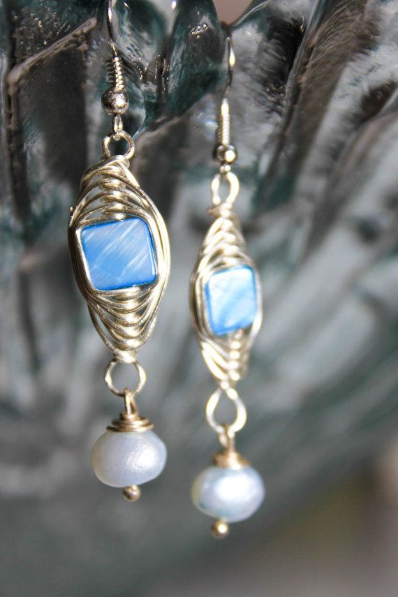 Twisting by the pool| Earring| Handcrafted| Ohrringe