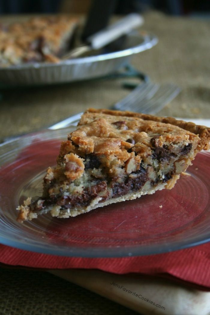 Kentucky Derby Pie - like a chocolate chip cookie in a pie crust! | Guest Post from jensfavoritecookies.com on cupcakesandkalechips.com | #dessert