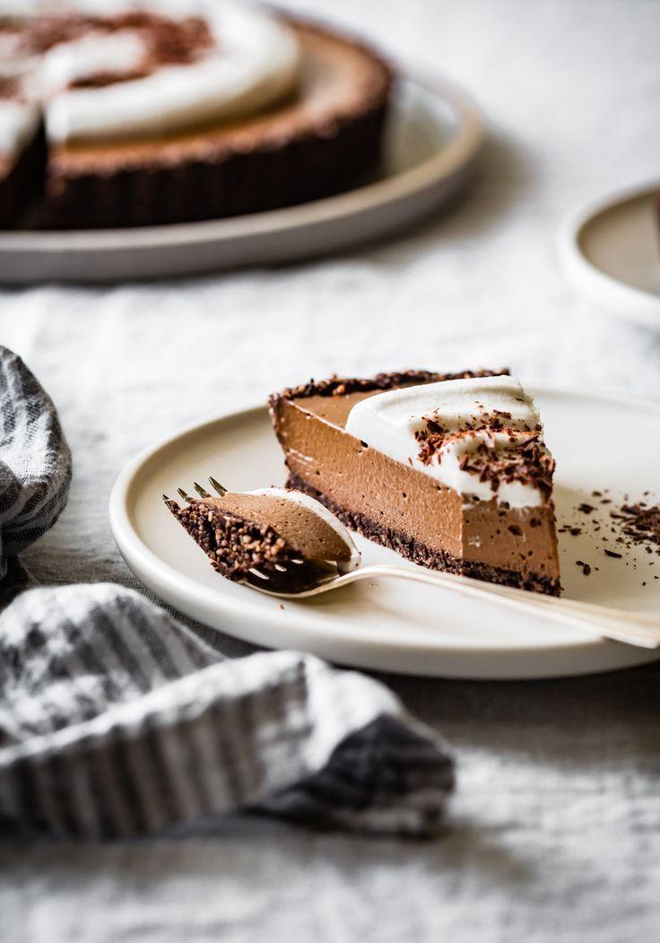 No-Bake Chocolate Cream Tart {vegan, gluten-free, grain-free, refined sugar-free}
