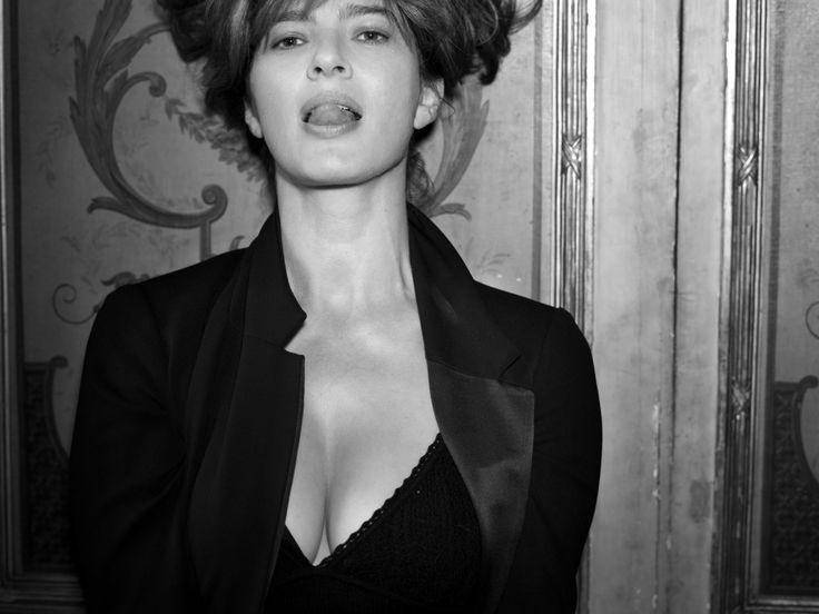 So sexy! Laura Morante